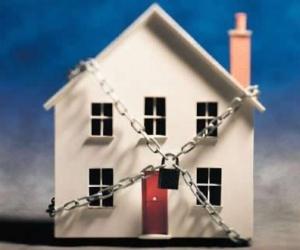 Страховать или нет недвижимость?